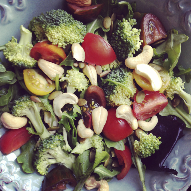 Spring Mix Salad with broccoli, tomato, cashews and sunflower seeds.